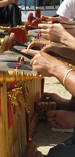 Banner cursussen - Gamelan - handen die spelen - 262 x 546 px