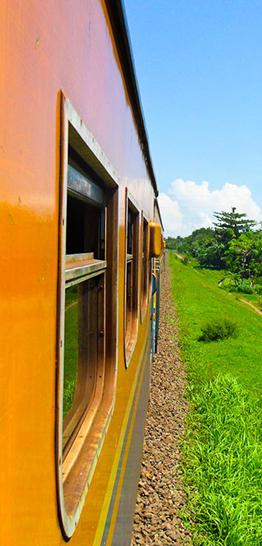 Banner trein - raamuitzicht - 262 x 546 px