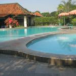 Yogyakarta.Brongto_Hotel.swimmingpool.08